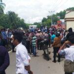 Desak Pelaku Pembunuhan Muammar Ditangkap, Massa Aksi Anarkis