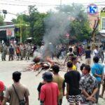 Tuntut Pelaku Pembunuhan Muammar Ditangkap, Warga Blokir Jalan