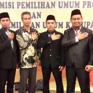 Dilantik, Komisioner KPU Kabupaten Bima Mulai Bertugas