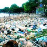 Pantai Kolo Berubah Jadi Tempat Pembuangan Sampah