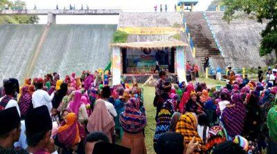 Hidupkan Kembali Kearifan Lokal, Karang Taruna Desa Roka Adakan Festival Kampung Jompa