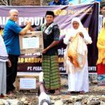 Pegadaian Tente Bantu Korban Kebakaran di Desa Renda