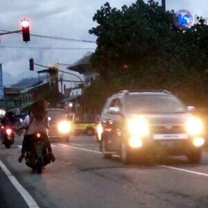 Traffic Light di Cabang Donggo Dicuekin Pengendara