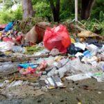 Tempat Sekitar Taman Ria Dipenuhi Sampah