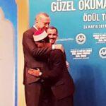 Syamsuri Firdaus Dipeluk Erdogan, Qori Asal Bima Ini Juara 1 MTQ Internasional di Turki