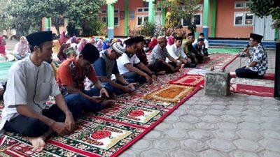 Silahturahim dengan Orang Tua Murid dan Masyarakat, SDN 29 Gelar Buka Puasa Bersama
