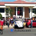 Demonstran Desak Majelis Hakim Dicopot, Karena Diduga Terima Suap Kasus Pembunuhan Wawan