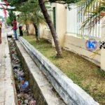 Selokan Depan Kantor Walikota Bima Dipenuhi Sampah