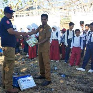 VBB Bantu Perlengkapan Sekolah MI dan MTs Pesantren Hidayatullah