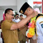 Wawali Sambut Kedatangan Adzan, Danpok Pasukan 17 Paskibraka di Istana Merdeka