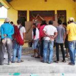 Desak Sekdes Dipecat, Warga Demo dan Segel Kantor Desa Belo