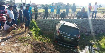 Supir Ngantuk, Mobil Avanza Nyemplung ke Sawah