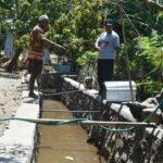 Krisis Air Bersih di Kota Bima, Warga Ambil Air Parit Untuk Kebutuhan Hidup