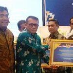 Walikota Bima Dapat Penghargaan dari Menteri Keuangan RI