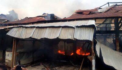 Puluhan Toko di Pasar Lama Bima Terbakar
