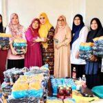 Hj Ellya HM Lutfi Serahkan Bantuan untuk 20 Kelompok Tenun