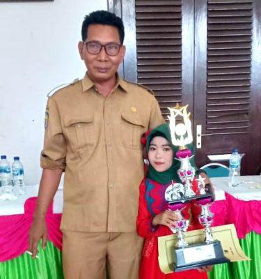 Siswi SDN Inpres Cenggu Raih Juara 1 Lomba Bahana Suara