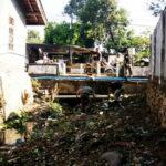 Antisipasi Banjir, Sat Pol PP dan Damkar Bersihkan Sungai