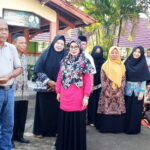 Alumni 1997 SMPN 1 Wawo Serahkan Bantuan untuk Masjid Sekolah