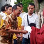 3 Hari Blusukan, Walikota Bima Bagikan Gaji dan 1.500 Kursi