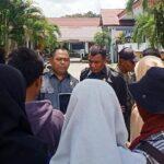 Protes Masalah Pupuk Masih Bergulir, Massa Aksi Seruduk Dewan