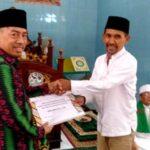 Walikota Bima Serahkan Bantuan Dana Pembangunan Masjid Miftahul Jannah Manggemaci