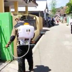 Satgas PKS Kota Bima Semprot Desinfektan, Amir: Pemkot Bima Segera Terapkan Karantina Wilayah