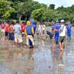 Pol Air Polres Bima Kota Tanam 200 Bibit Mangrove di Pantai Lawata