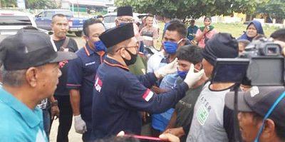 Bagi Masker Gratis di Pasar Sila, Syafa'ad Diapresiasi Pedagang
