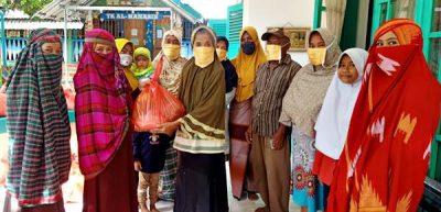 Peduli Masyarakat Kurang Mampu, Yayasan Al Mahasin Salurkan 105 Paket Sembako