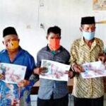 Salurkan BLT, Kades Rada Imbau Warga tidak Berikan Imbalan Pada Aparatur Desa