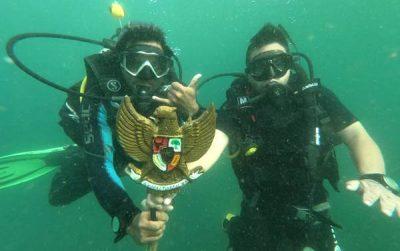 Bima Diving Club Peringati Hari Pancasila di Bawah Laut Soromandi