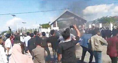 Demonstrasi, Masyarakat dan Mahasiswa Tuntut Biaya Rapid Tes Dihapus