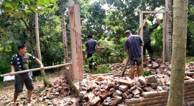 BKPH Maria Donggomasa Bongkar Rumah Permanen Dalam Kawasan Hutan Ncai Kapenta