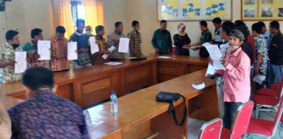Kadis Perkim Tanda Tangan Kontrak Kerja Bersama 18 KKPK BSRS