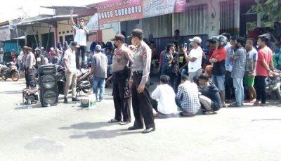 Warga Aksi Solidaritas untuk Syamsulrizal, Polisi Diminta Usut Tuntas Foto Amoral Ketua DPRD Kabupaten Bima