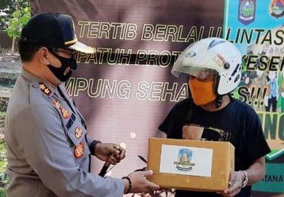 Kapolres Bima Kota Bagikan Hadiah Saat Operasi Patuh