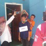 Rekonstruksi, Adik Putri Peragakan Tersangka Membunuh Korban