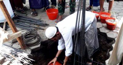 Ketua DPRD Kota Bima Letakan Batu Pertama Pembangunan Masjid Al Ikhlas Santi