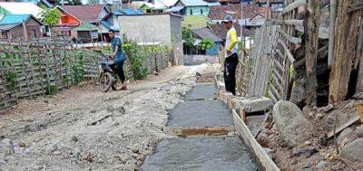 Disorot Warga, Proyek Drainase di Desa Pesa Akhirnya Diperbaiki
