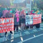 Demonstrasi Nakes, #Ganti Kepala Dinas Kesehatan Kota Bima