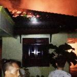 Pemilik Rumah yang Terbakar di Lewirato Ungkap Sumber Api