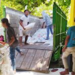Bulog Bima dan Dinsos Dompu Salurkan Bantuan Sosial Beras