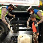 HUT Ke-65 Lantas, Polres Bima Kota Gelar Bhakti Sosial