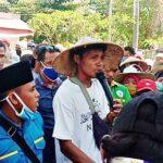 Turun ke Jalan, Warga Tolowata Tagih Janji Bupati Bima