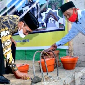 Walikota Bima Janji Bantu Pembangunan Masjid di Jatiwangi Rp 150 Juta