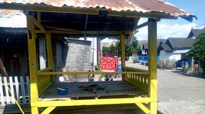 Warga Sorot Pos Kamling Dari Dana Desa Dicat Untuk Kepentingan Paslon Petahana