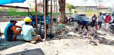 Terdampak Kekeringan, Yayasan KADAR Bor Air di Kelurahan Ule