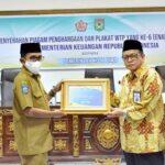 Pemkot Bima Raih WTP Keenam Kali, Walikota Terima Penghargaan