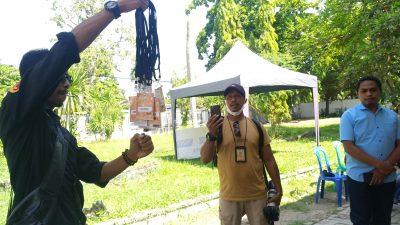 Tugas Wartawan Dihalangi KPU, Jurnalis Bima Bakar Id Card saat Debat Paslon